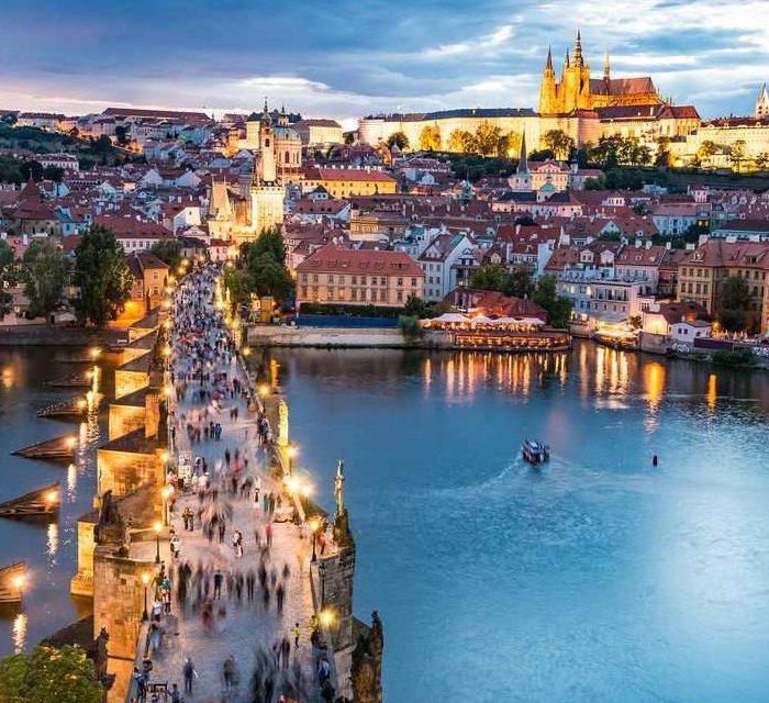 Press release by Praha září festival